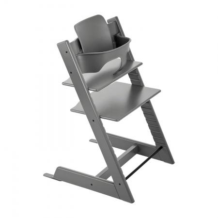 Stokke® Tripp Trapp® Storm Grey en Classic Cushion Geometric Red Incl. Baby Set Storm Grey  PROMOTIE